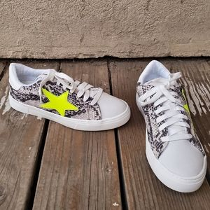 Steven Reeves Shoes Snake Print Yellow Star Sz 7.5